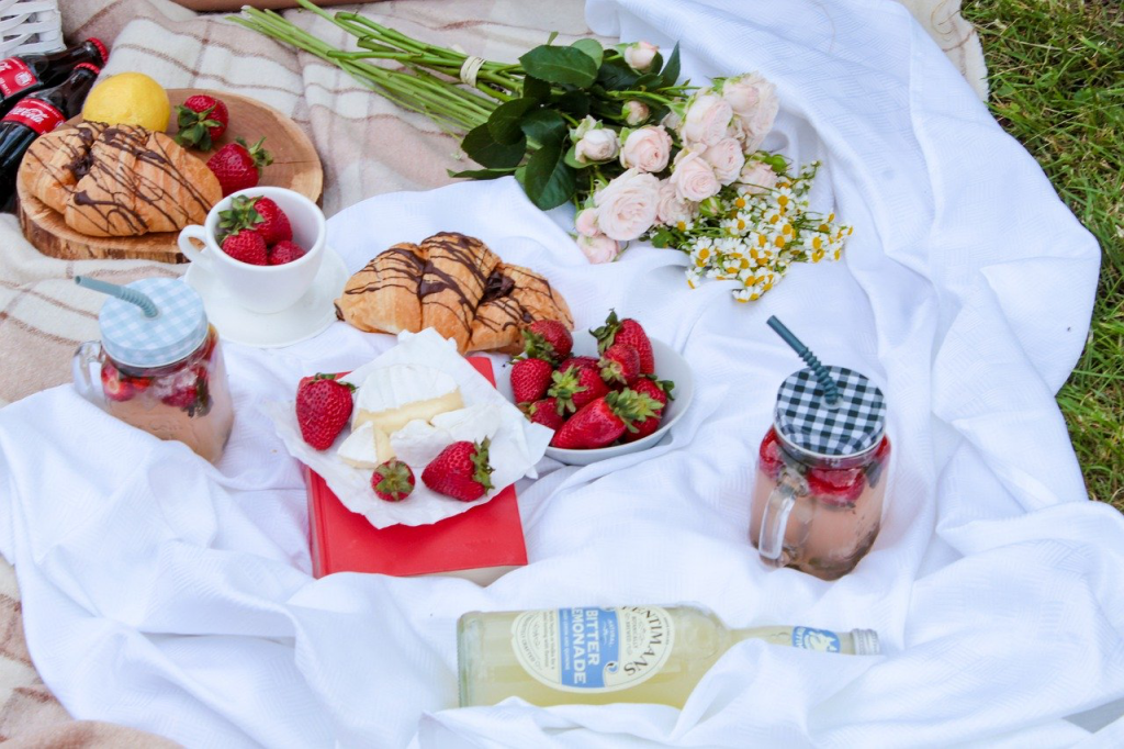 Un picnic perfect la plajă. Lucruri indispensabile